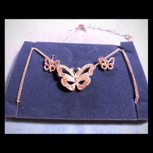 Butterfly 🦋 Necklace & Earrings Gift Set NIB